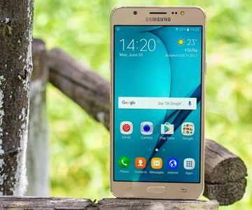 Galaxy J7 için Android Nougat!